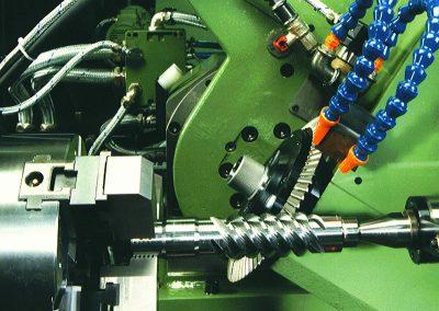 Schneckenschneiden mit HSS-Fräser oder Hartmetallfräser mit eingesetzten Messern