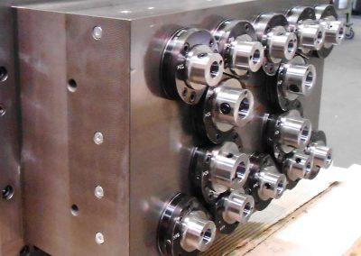 Spezieller Mehrfachbohrkopf mit 14 Druckspindeln mit Hochdruckkühlmittelzufuhr (70 bar)