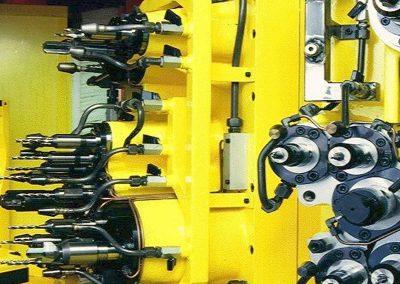 Mehrfachköpfe für Drehübersetzungseinheit mit Werkzeugbruchkontrollstation