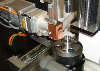 CNC-Laserschweißbank. Feste und drehbare Positionen für Punkt- und Dauerschweißen