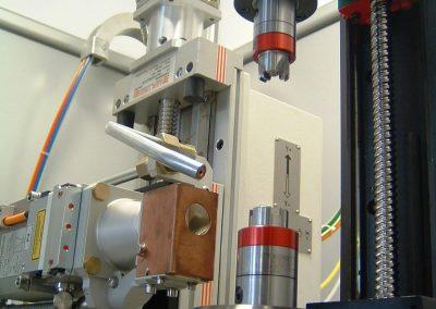 CNC-Laserschweißbank mit Drehtisch und motorisierter vertikaler Spindel zum kalibrierten Schweißen