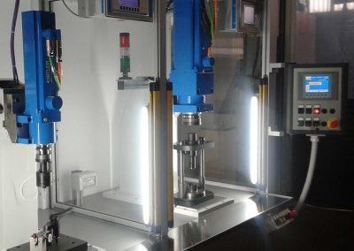 Bank mit 2 Pflanzstationen mit elektromechanischen Pressen (10 kN und 30 kN)