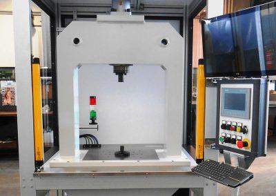 Pflanzbank mit elektromechanischer Presse (100 kN)